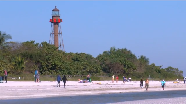 Scientists monitoring the red tide off Sanibel Island