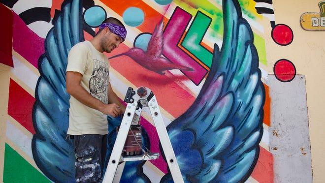 Naples landmark Spanky's Speakeasy adds selfie spot with mural