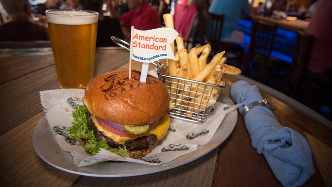 22 great burgers in Naples, Cape Coral, Fort Myers Beach
