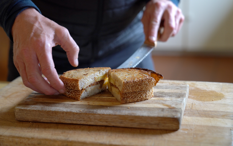 gordon ramsay grilled cheese (simple & delicious)