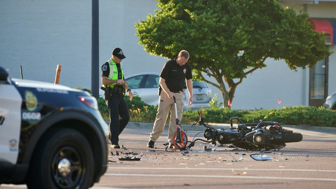 Fort Myers Police lock down Cleveland Avenue in Winkler after a fatal accident